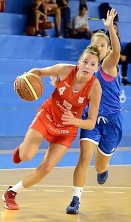 Camille DROGUET - 22 points - échappe ici à Lara FERRANET et c'est Lyon qui s'impose à Lattes