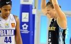 La tête basse pour Courtney HURT, les poings serrés de la victoire pour Margret SKUBALLA : Nantes s'impose à Lattes