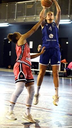 Petit jump-shoot de Claire PARISI et victoire de Basket Landes