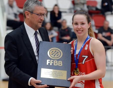 Adèle DETCHART lors de la remise du Trophée