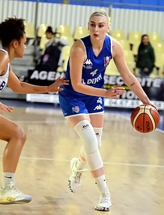 Justine WALLEZ, 18 points et une grosse présence. Une pièce importante dans la victoire de Dijon.