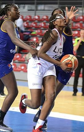 Il est trop tard : Aicha CAMARA SAKO est passée et c'est le FC Lyon Asvel Féminin qui s'impose