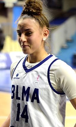 Le petit sourire de Loubna BELABBAS, ici après la belle victoire de la NF2 contre le SMUC