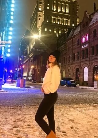 Manuella GRAMAGE en ville à Montréal (photo M. GRAMAGE)