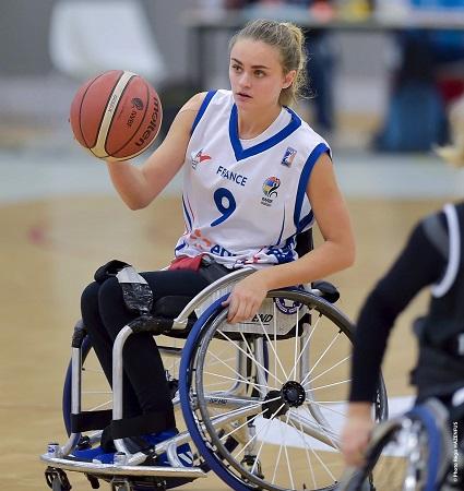 Lisa CLARY en action sous le maillot tricolore (photo Régis Hazenfus)